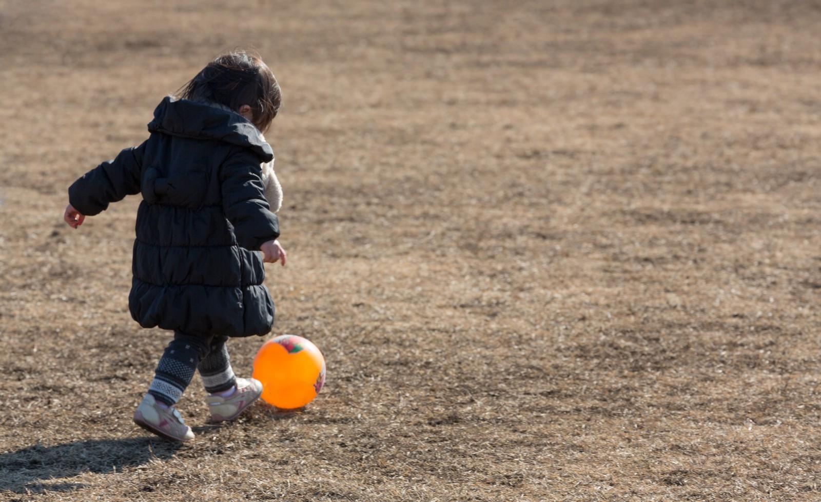子どもが外遊びする時間は「減少した」が92.0%! 保護者対象、外遊び
